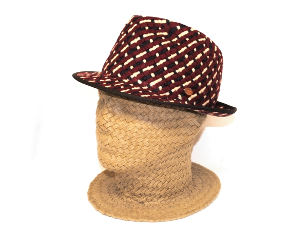 F&Y Hat1