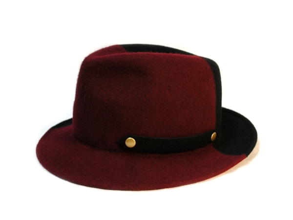 W face Hat RED×BLK